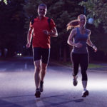 Conheça a nova onda fitness do momento: a tendência Night Run