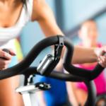 Spinning: conheça a modalidade que define pernas, bumbum e abdômen