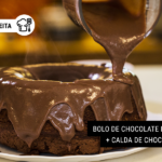 Bolo de Chocolate Low Carb + Calda de Chocolate Fit